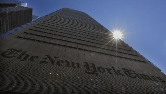 THE GREY LADY: New York Times holder til i den sjette høyeste bygningen på Manhattan – et fyrtårn for innholdsmarkedsføring, som bransjen håper skal bli medieindustriens neste store inntektskilde. Foto: BRENDAN MCDERMID, Reuters